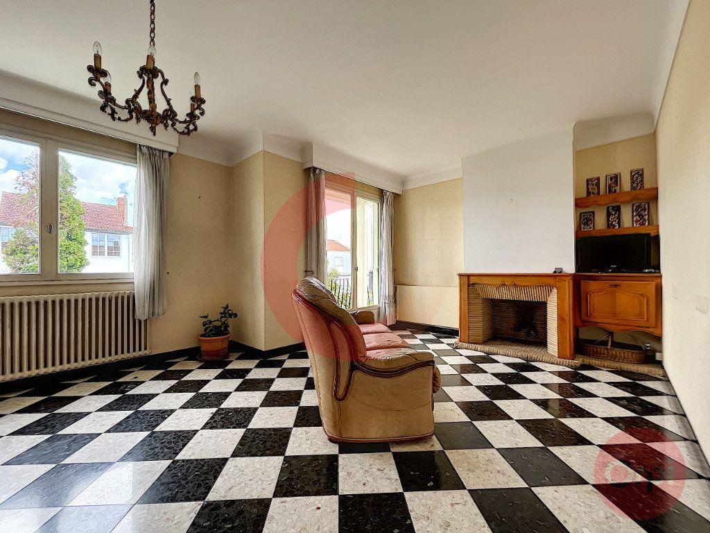 Maison à vendre 4 79m2 à Challans vignette-1
