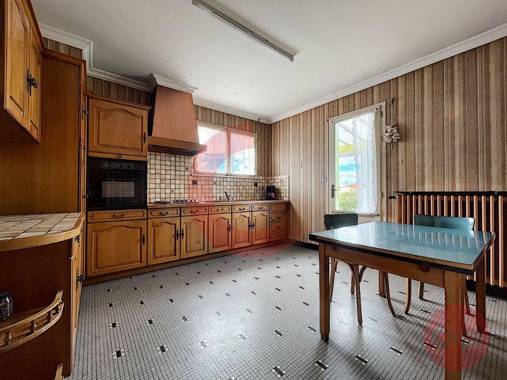 Maison à vendre 4 79m2 à Challans vignette-6
