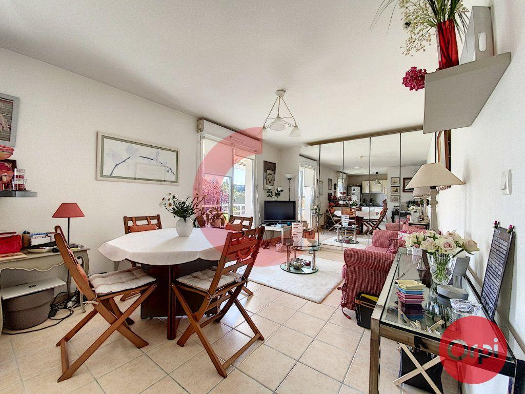 Appartement à vendre 3 63m2 à Saint-Jean-de-Monts vignette-1