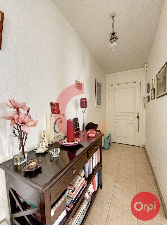 Appartement à vendre 3 63m2 à Saint-Jean-de-Monts vignette-3