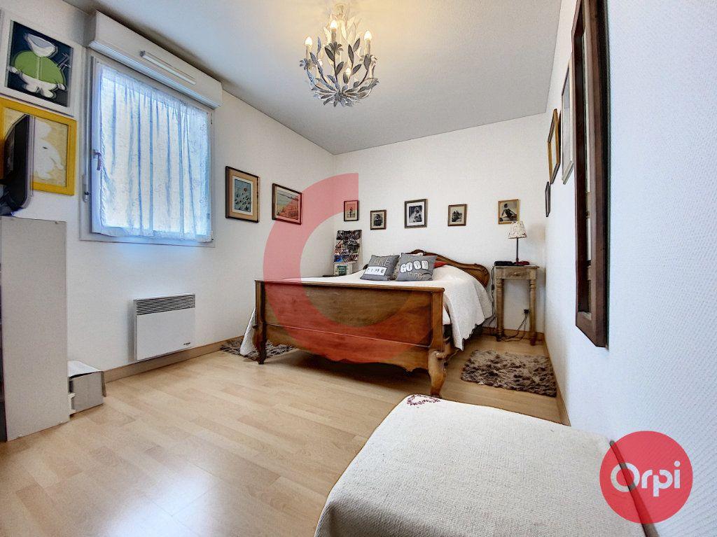 Appartement à vendre 3 63m2 à Saint-Jean-de-Monts vignette-6
