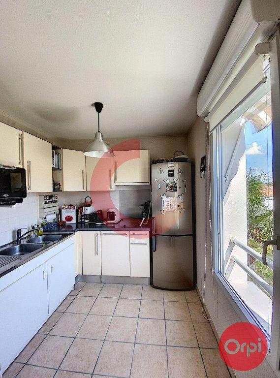 Appartement à vendre 3 63m2 à Saint-Jean-de-Monts vignette-7