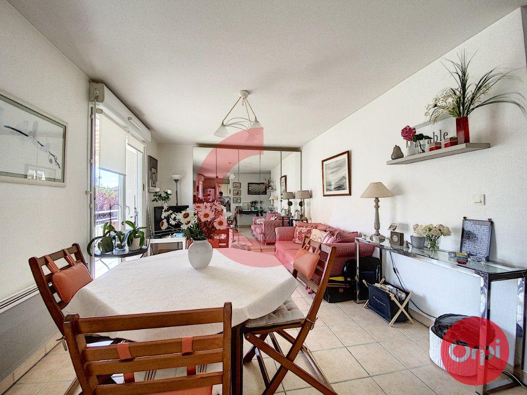 Appartement à vendre 3 63m2 à Saint-Jean-de-Monts vignette-9
