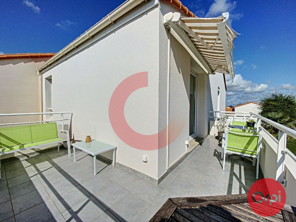 Appartement à vendre 3 63m2 à Saint-Jean-de-Monts vignette-10