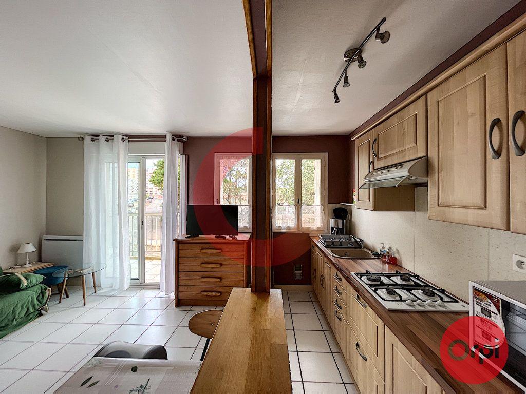 Appartement à vendre 1 28.79m2 à Saint-Jean-de-Monts vignette-2