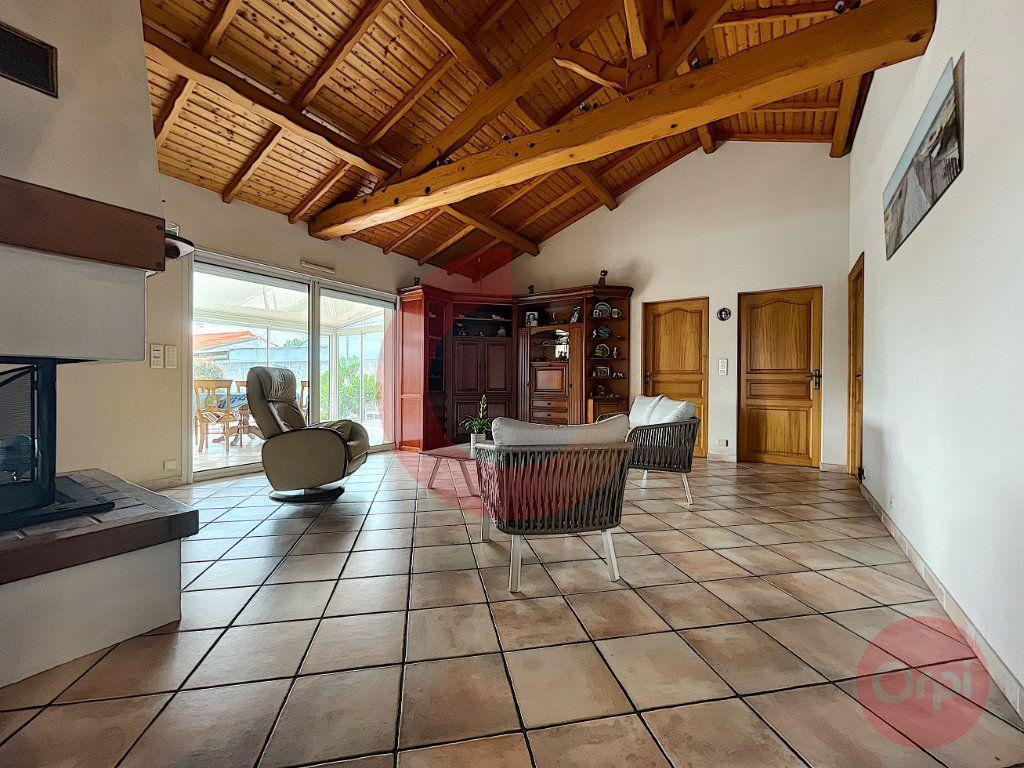 Maison à vendre 5 108m2 à Challans vignette-1