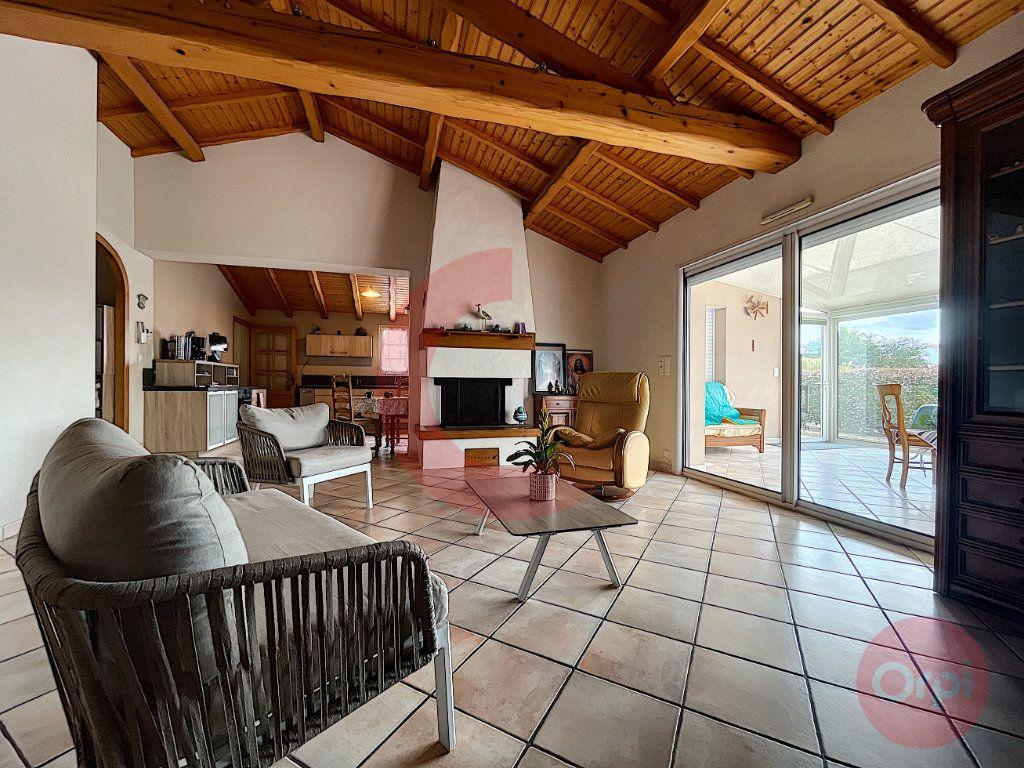 Maison à vendre 5 108m2 à Challans vignette-2