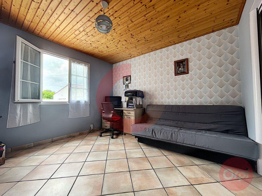 Maison à vendre 5 108m2 à Challans vignette-9