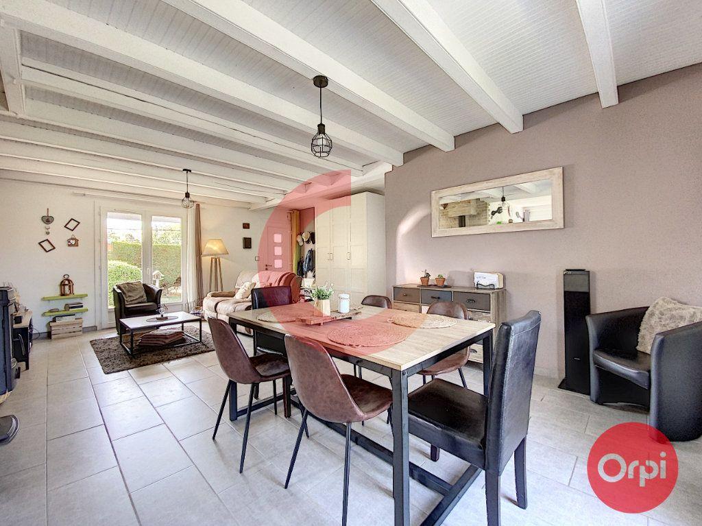 Maison à vendre 5 102m2 à Le Perrier vignette-1