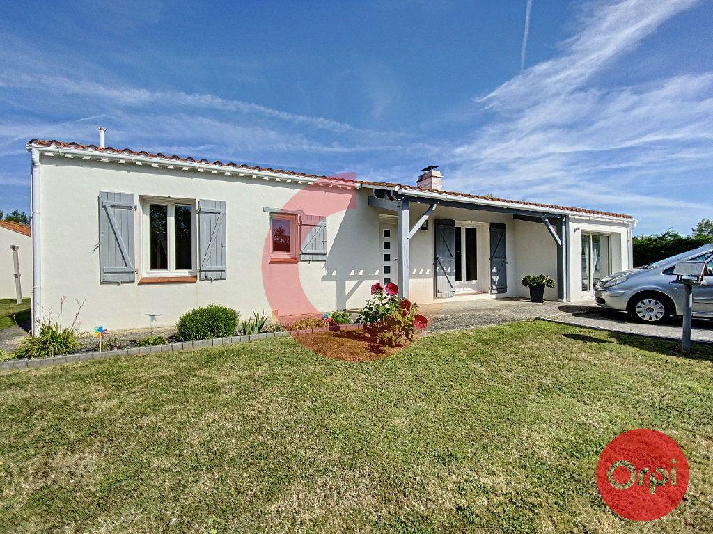 Maison à vendre 5 102m2 à Le Perrier vignette-2