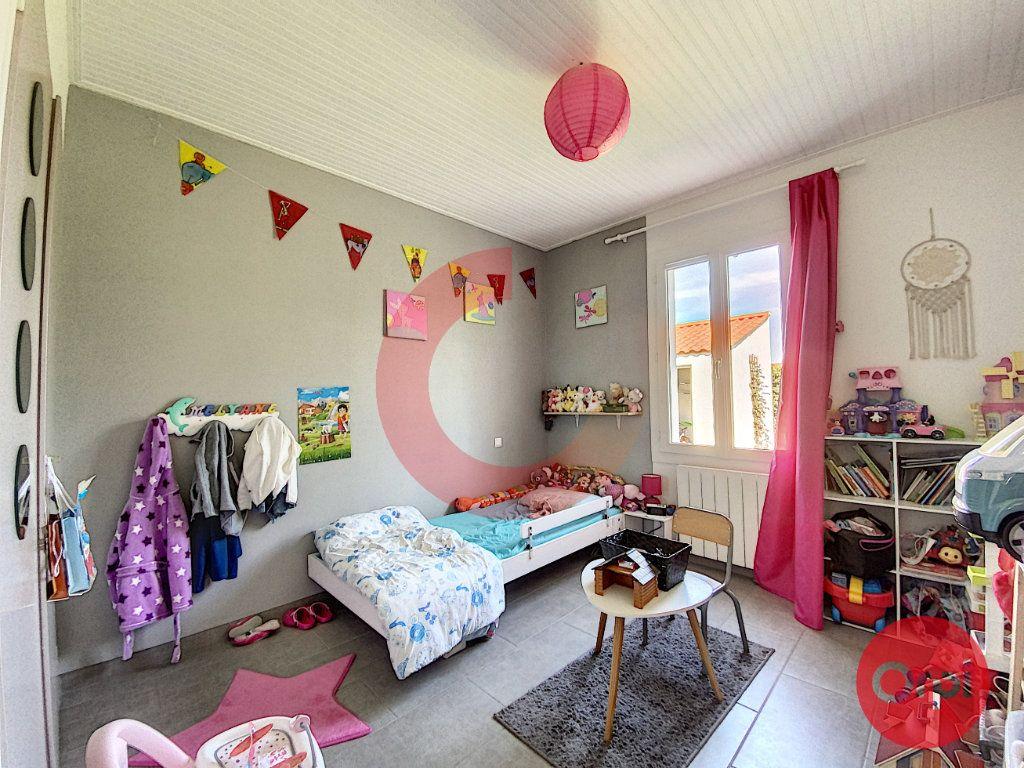 Maison à vendre 5 102m2 à Le Perrier vignette-8