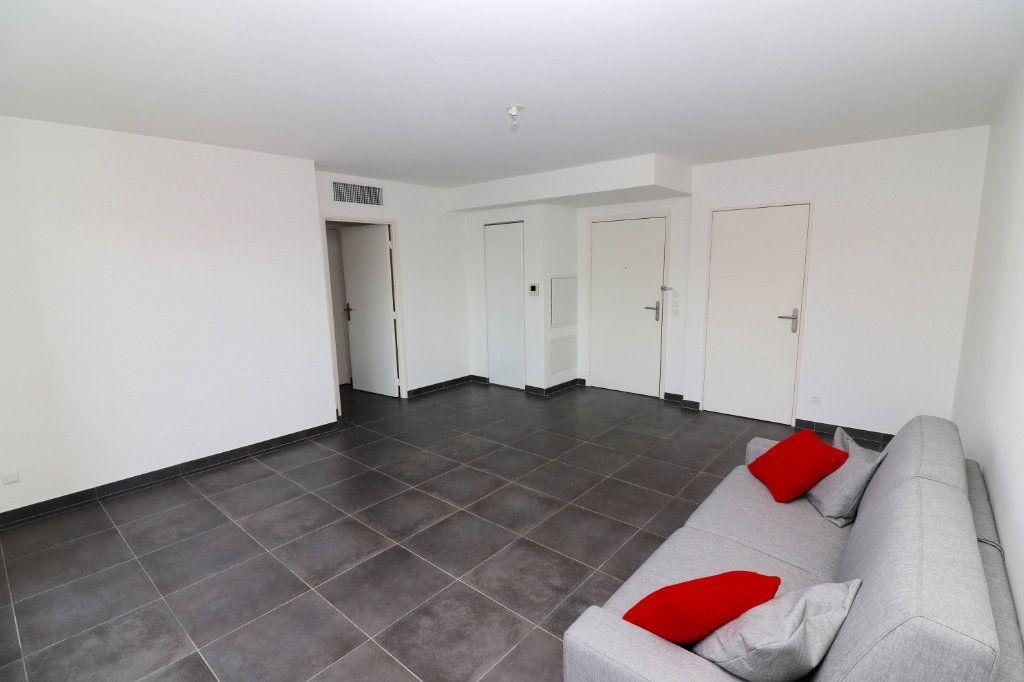 Appartement à vendre 2 50m2 à Nice vignette-1