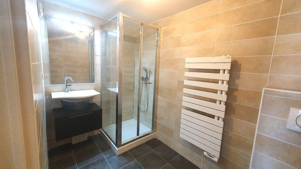 Appartement à vendre 2 50m2 à Nice vignette-6