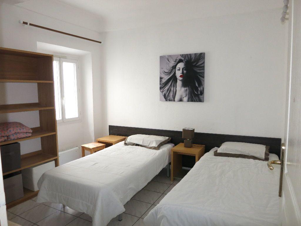 Appartement à louer 2 29.45m2 à Nice vignette-2