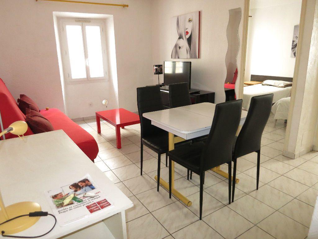 Appartement à louer 2 29.45m2 à Nice vignette-3