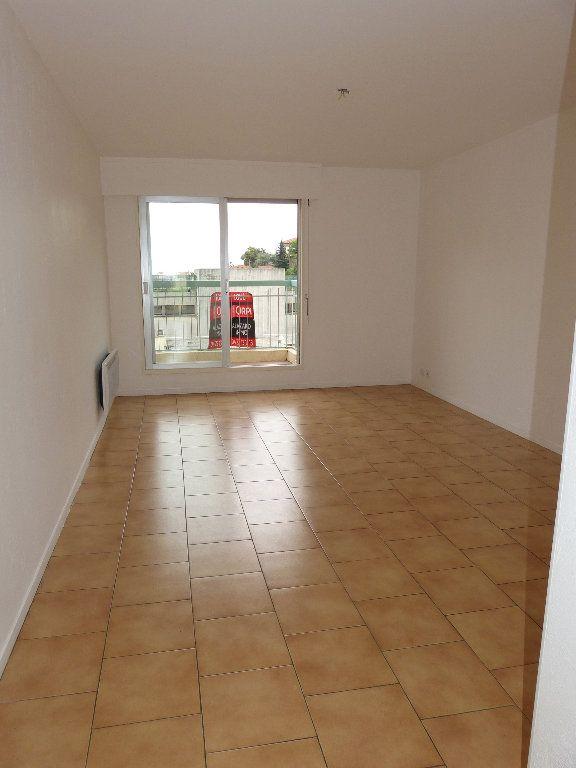 Appartement à louer 1 33.54m2 à Nice vignette-2