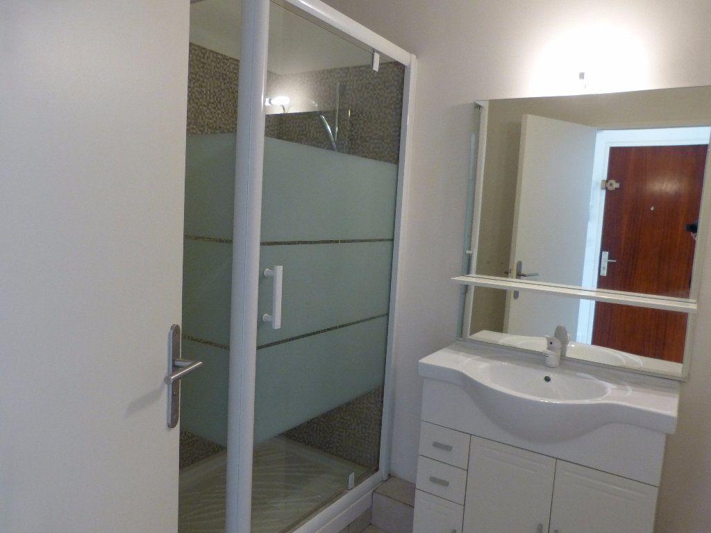 Appartement à louer 1 33.54m2 à Nice vignette-4