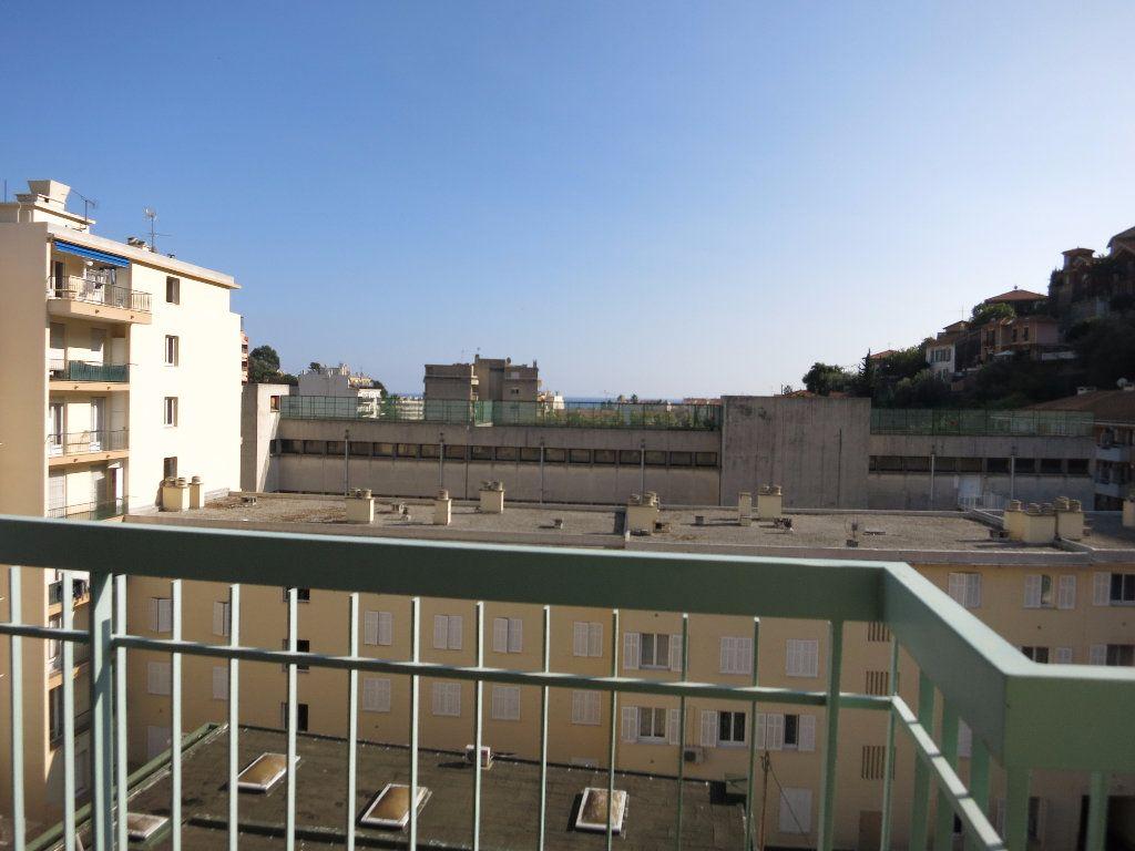 Appartement à louer 1 33.54m2 à Nice vignette-6