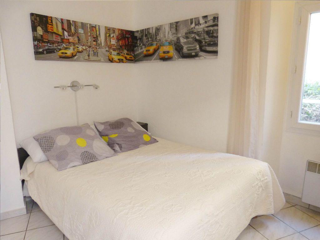 Appartement à louer 2 25m2 à Nice vignette-4