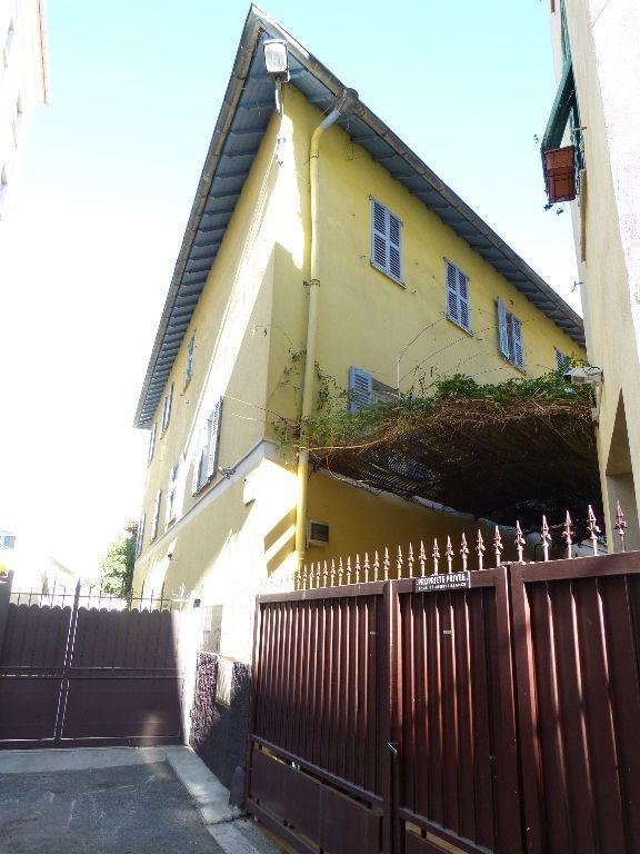 Appartement à louer 2 25m2 à Nice vignette-11
