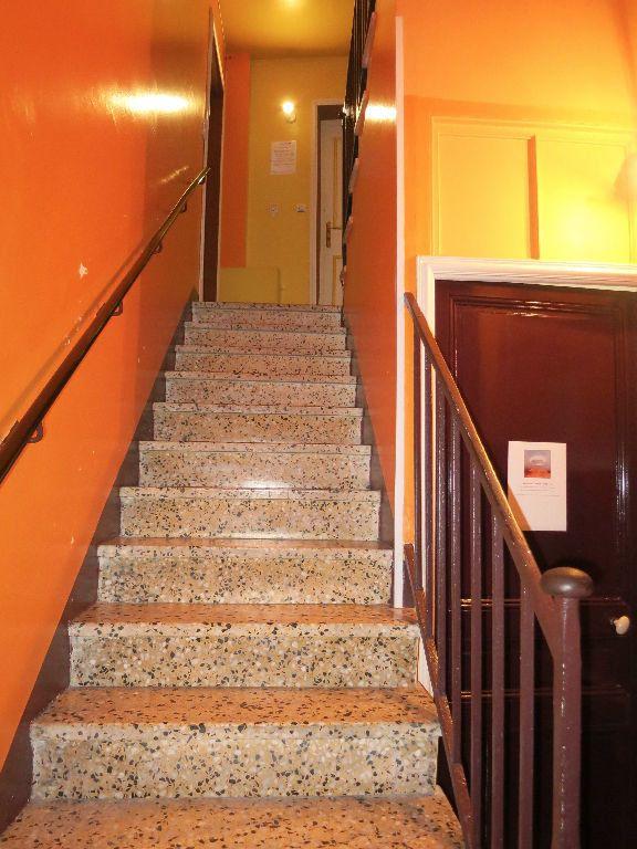 Appartement à louer 2 25m2 à Nice vignette-12