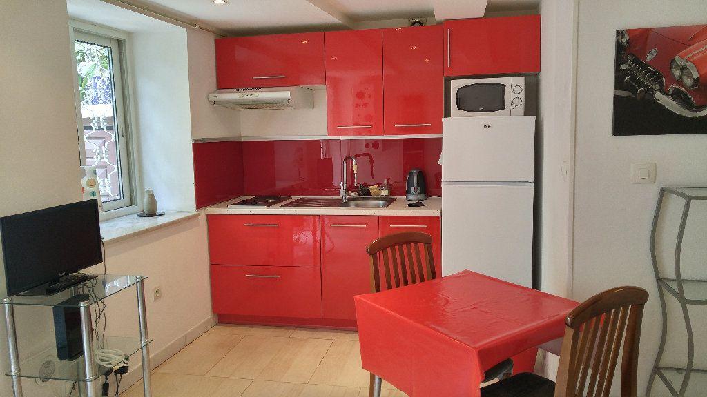 Appartement à louer 1 18.9m2 à Nice vignette-1