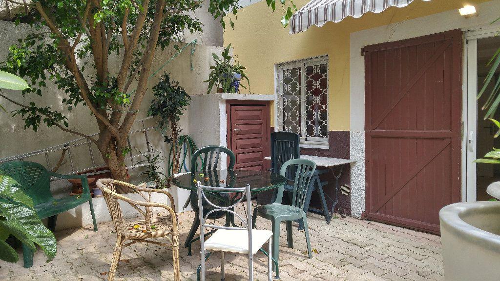 Appartement à louer 1 18.9m2 à Nice vignette-2