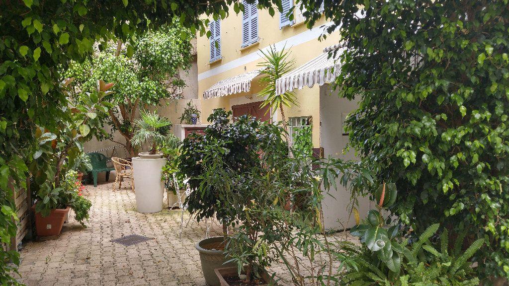 Appartement à louer 1 18.9m2 à Nice vignette-8