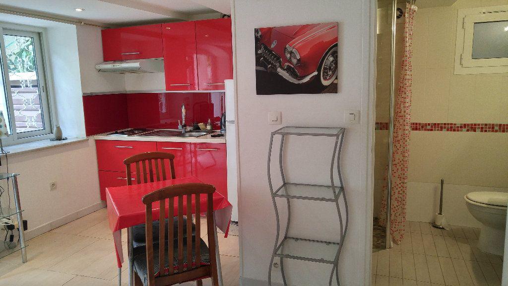Appartement à louer 1 18.9m2 à Nice vignette-11