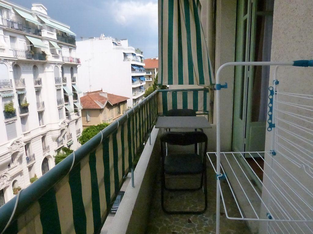 Appartement à louer 1 30.55m2 à Nice vignette-2
