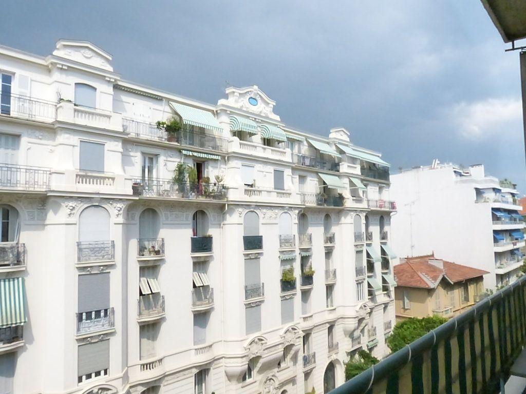Appartement à louer 1 30.55m2 à Nice vignette-7