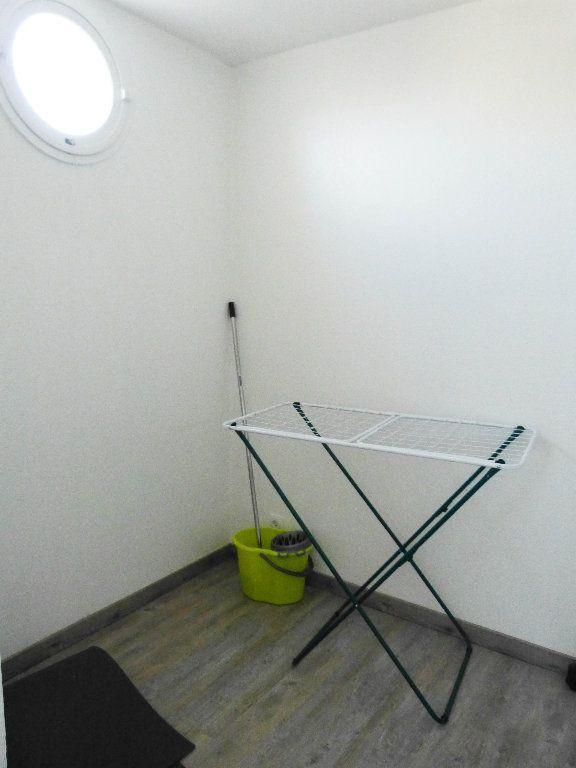 Appartement à louer 1 23.25m2 à Nice vignette-4
