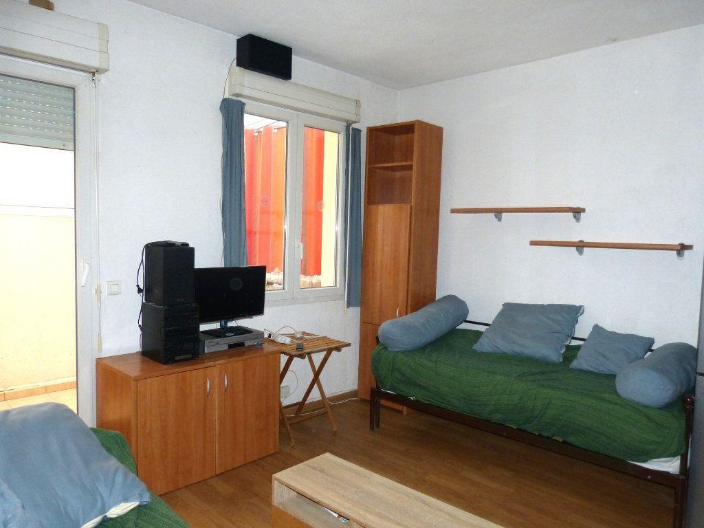 Appartement à louer 2 28.28m2 à Nice vignette-1