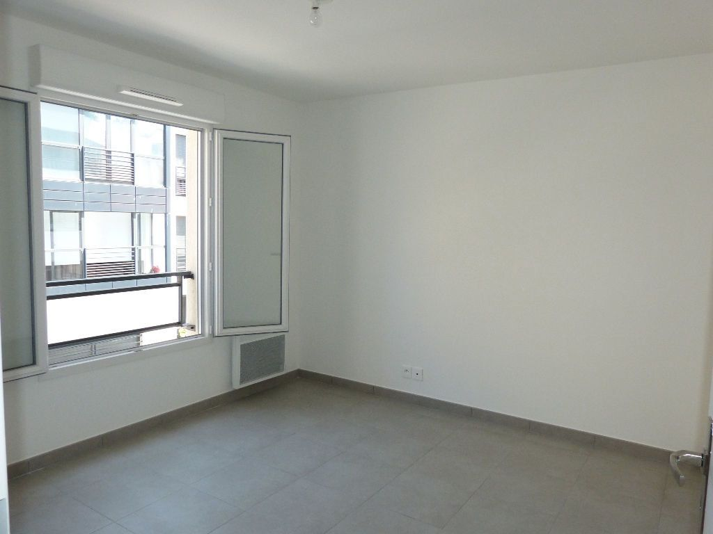 Appartement à louer 2 37.5m2 à Nice vignette-3