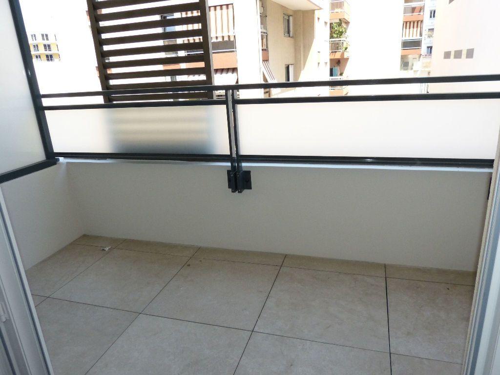 Appartement à louer 2 37.5m2 à Nice vignette-4