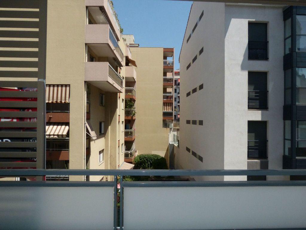 Appartement à louer 2 37.5m2 à Nice vignette-8