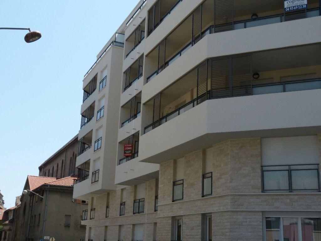 Appartement à louer 2 37.5m2 à Nice vignette-9