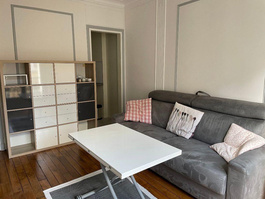 Appartement à louer 2 44.22m2 à Paris 15 vignette-2