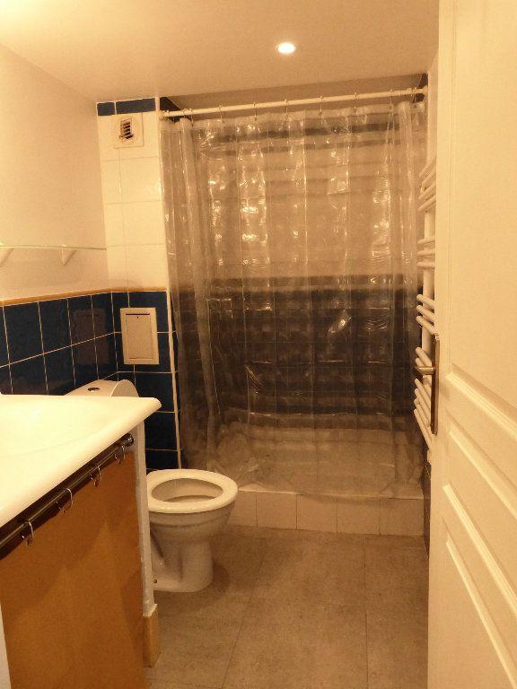 Appartement à louer 1 31.4m2 à Nice vignette-7