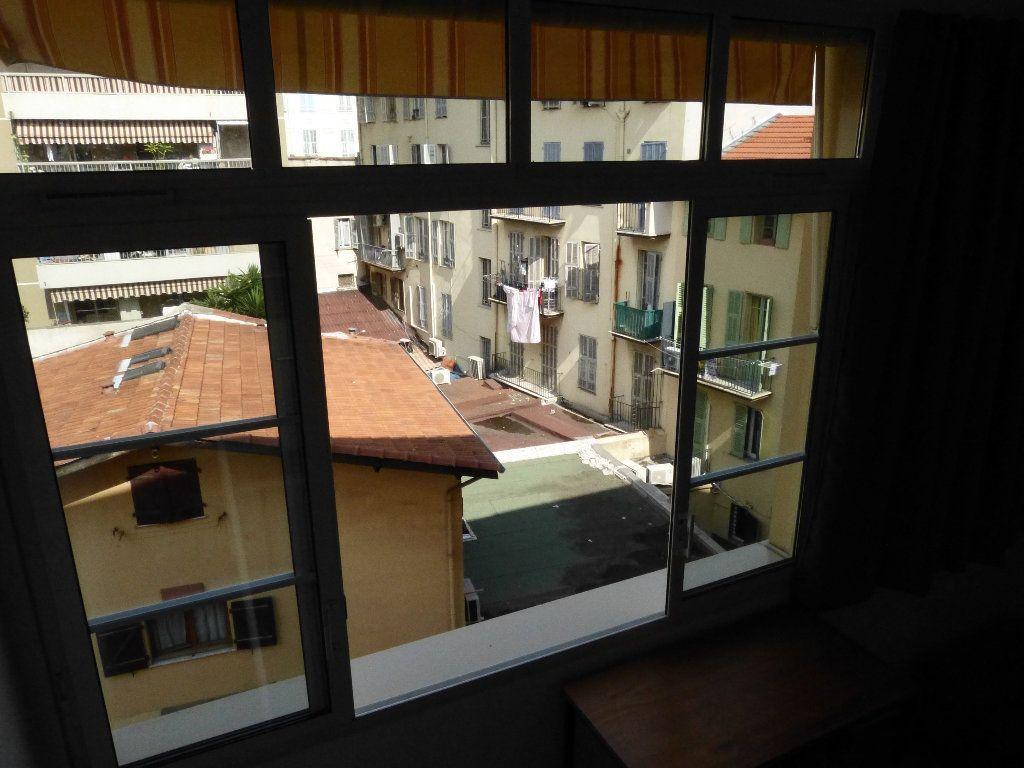 Appartement à louer 1 31.4m2 à Nice vignette-9