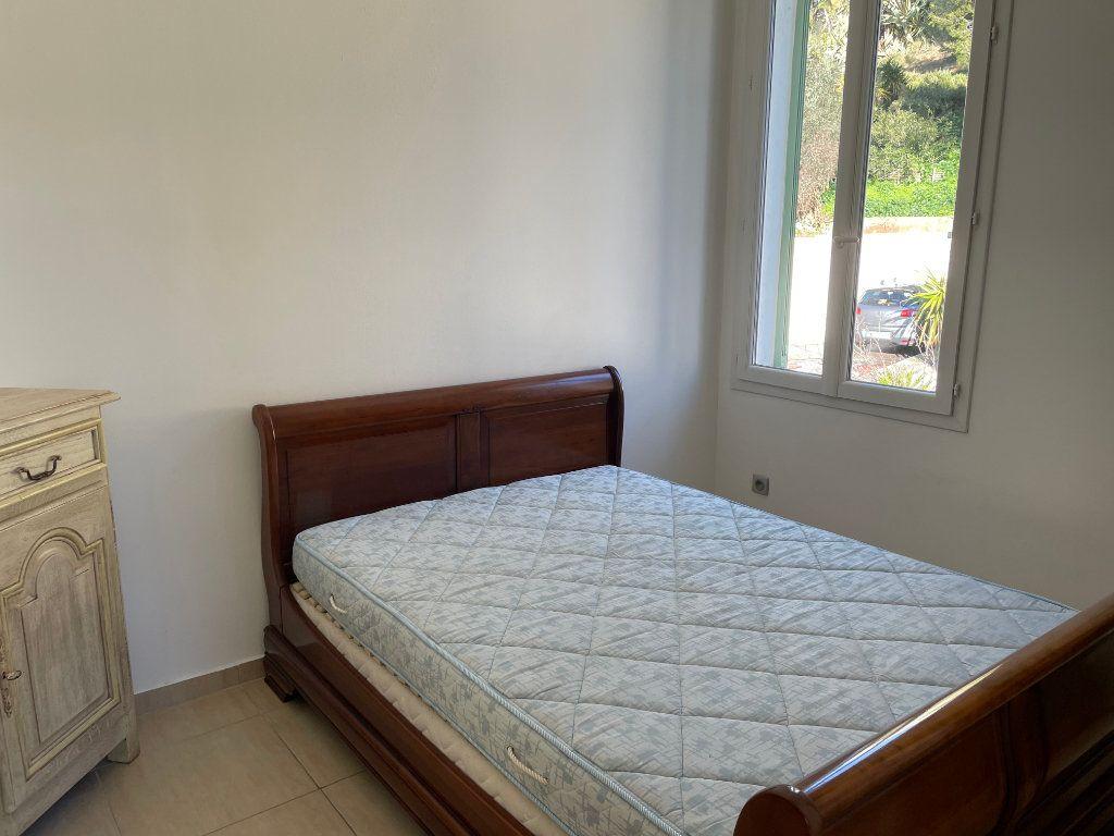 Appartement à louer 2 31m2 à Nice vignette-2