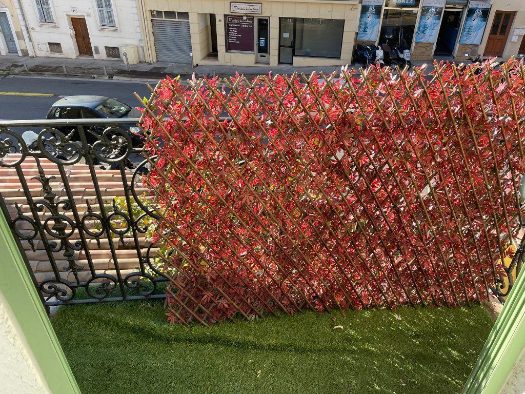 Appartement à louer 2 31m2 à Nice vignette-4