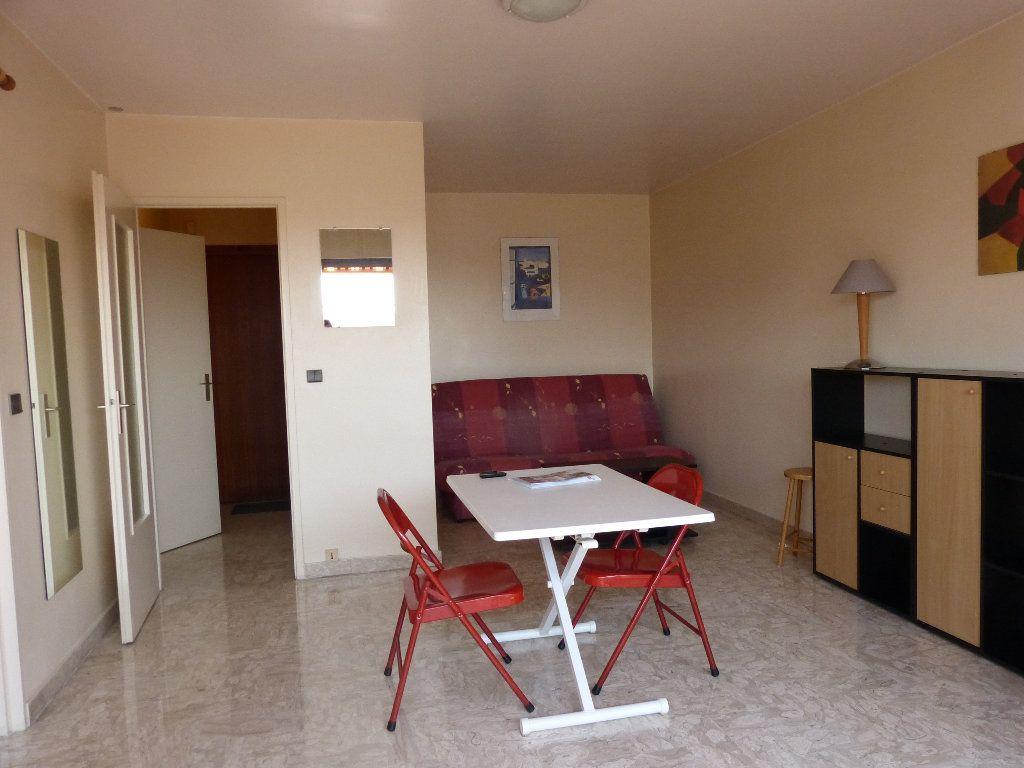 Appartement à louer 1 30.91m2 à Nice vignette-3