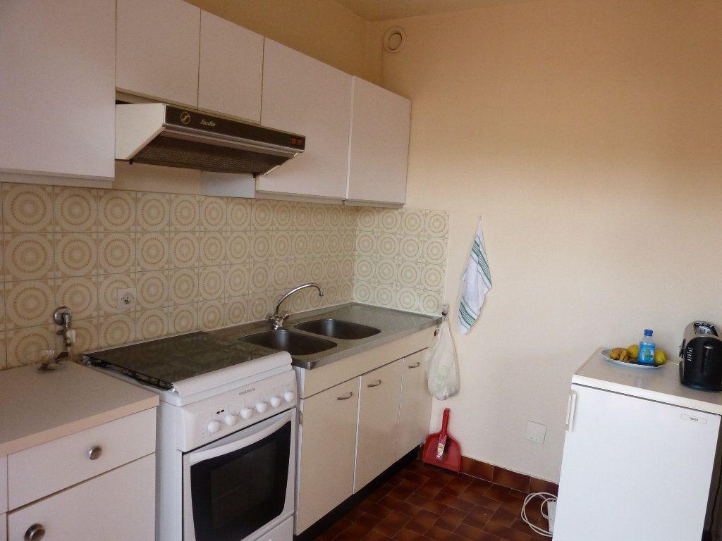 Appartement à louer 1 30.91m2 à Nice vignette-4