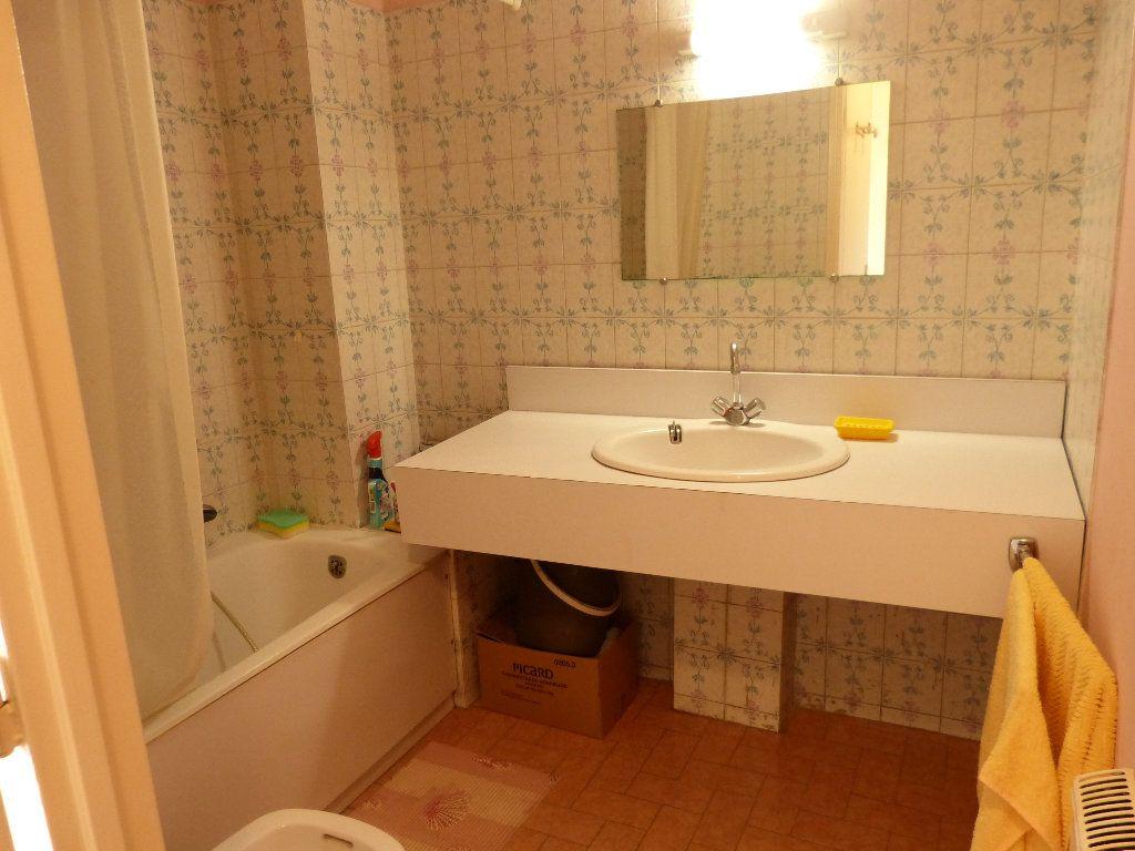 Appartement à louer 1 30.91m2 à Nice vignette-6