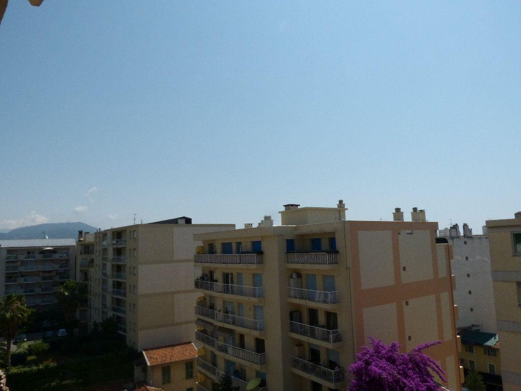Appartement à louer 1 30.91m2 à Nice vignette-8