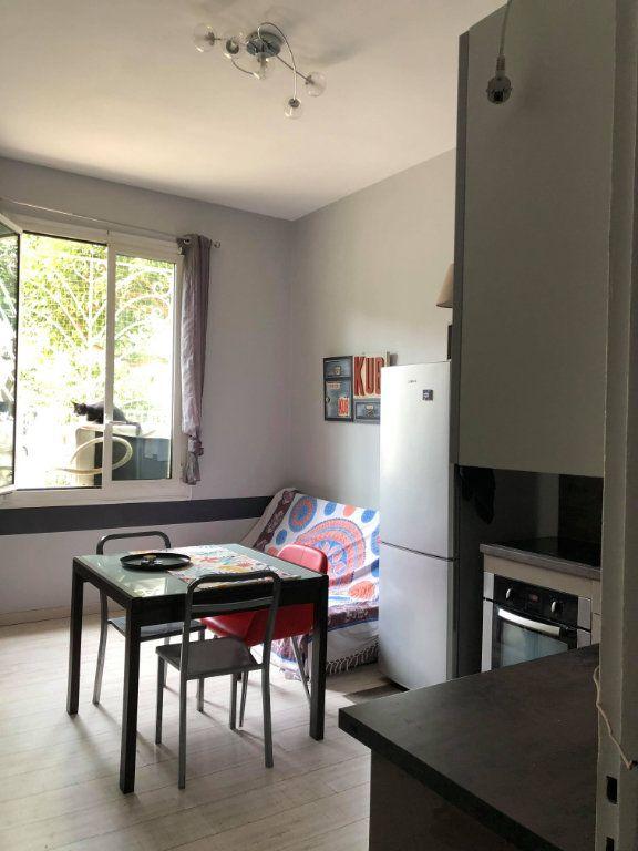 Appartement à louer 2 36m2 à Nice vignette-2