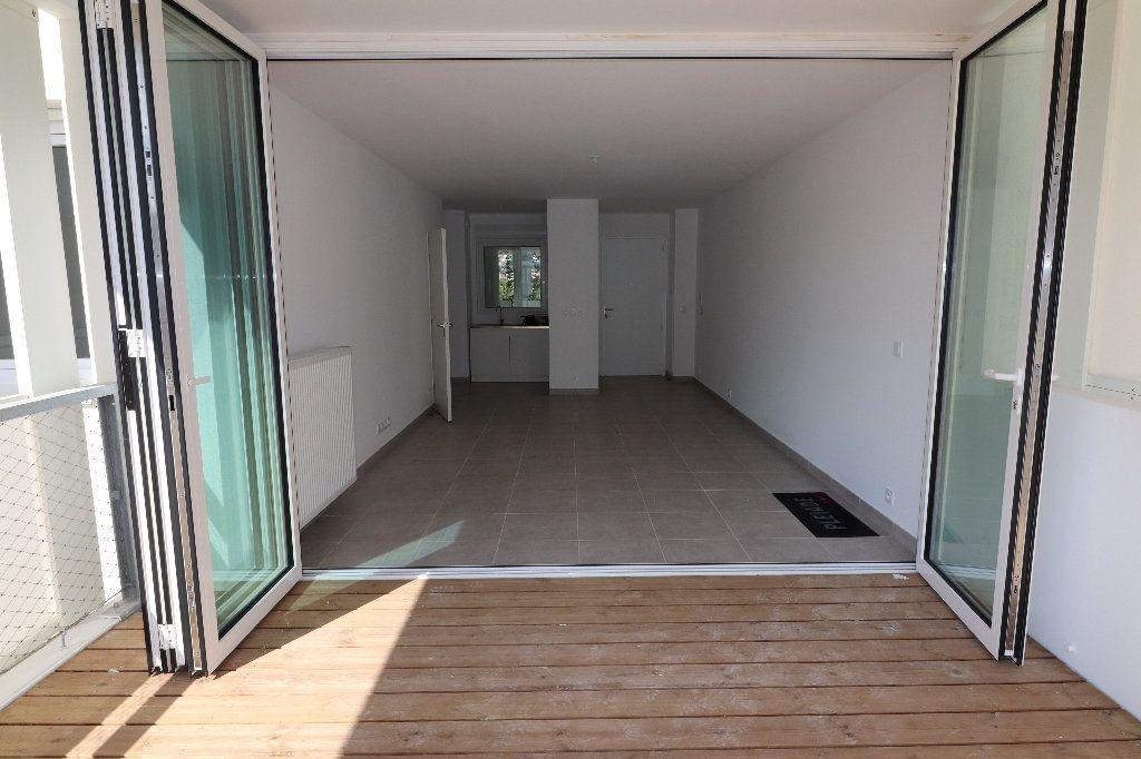 Appartement à louer 2 47.1m2 à Nice vignette-1