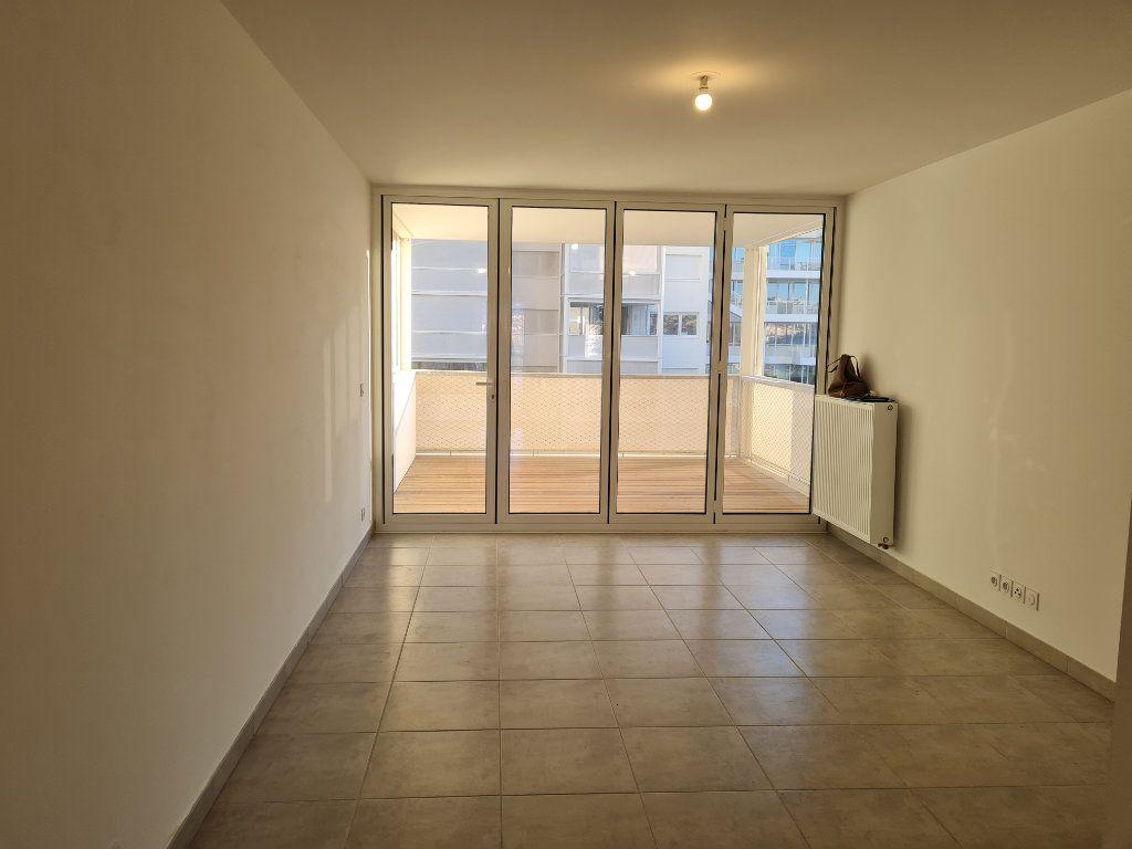 Appartement à louer 2 47.1m2 à Nice vignette-2