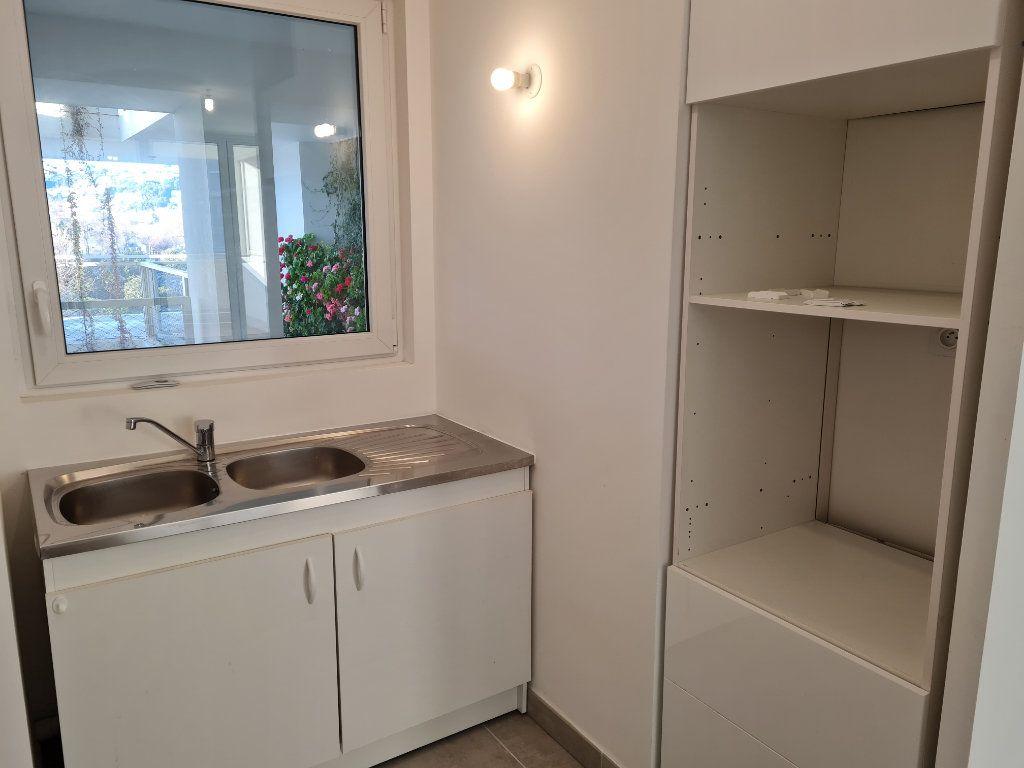 Appartement à louer 2 47.1m2 à Nice vignette-4